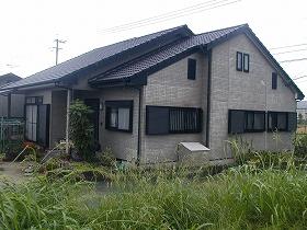 外壁・屋根瓦塗装リフォームのビフォー01