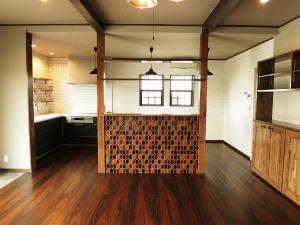 ブラウンのインテリアが心地よい、平屋の家へのリンク画像