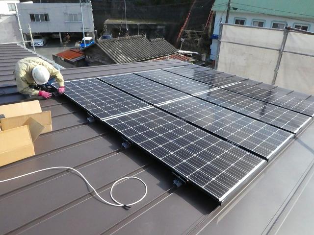 太陽光発電の設置(ガルバ屋根)01