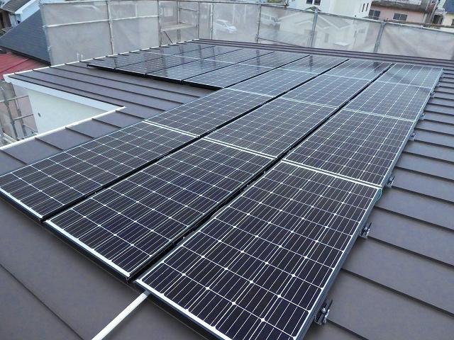 太陽光発電の設置(ガルバ屋根)02
